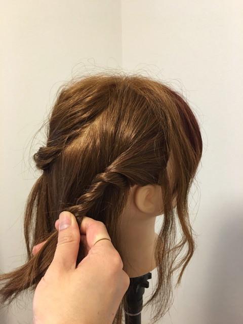 後れ毛が可愛い♪くるりんぱ&三つ編みアレンジ2