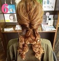 ふわふわ三つ編みでつくる♪可愛さ抜群のまとめ髪スタイル (6)