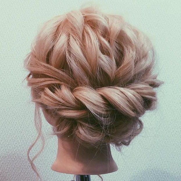 ロープ編みでできる!立体感が上品なまとめ髪top