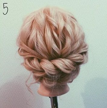 ロープ編みでできる!立体感が上品なまとめ髪5