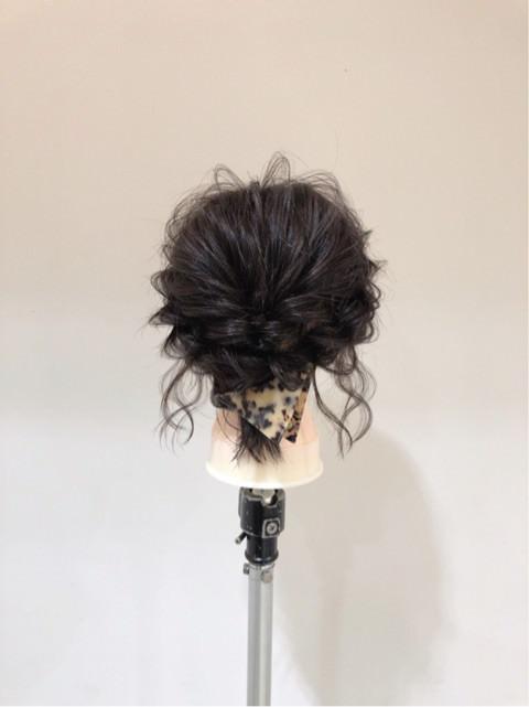 切りっぱなしボブから簡単にまとめ髪が作れる!TOP