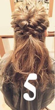 くるりんぱと三つ編みだけで簡単お呼ばれヘア♪5