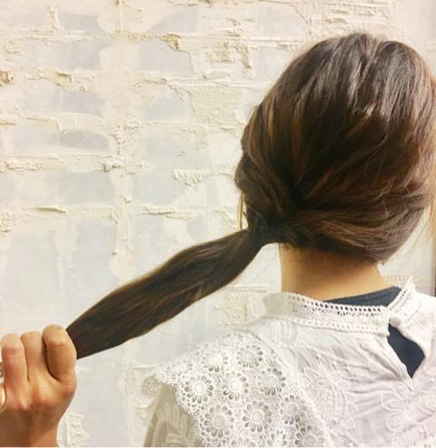 くるりんぱと三つ編みで簡単まとめ髪☆3