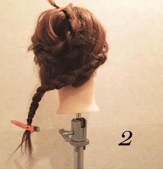 編み込みが大人カワイイまとめ髪2