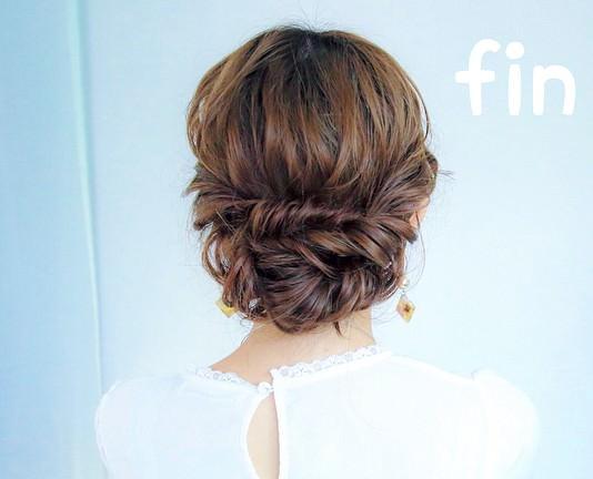 超簡単!ミディアムヘアのためのまとめ髪アレンジ♪トップ