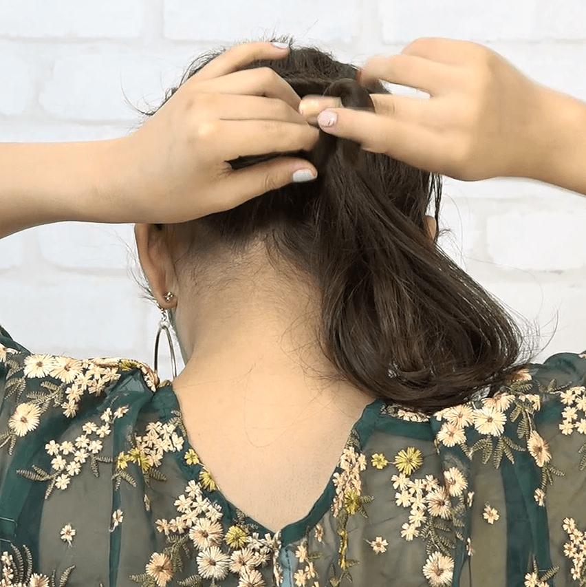編み込み一切不要!ねじりだけで作れるまとめ髪3