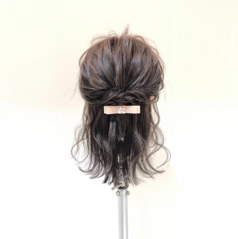 髪が短くてもできる♡こなれ清楚ハーフアップTOP