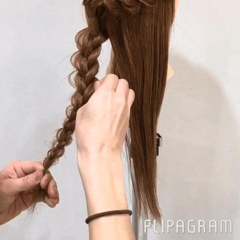 編んでつくる♡好印象間違いなしのまとめ髪アレンジ♪3
