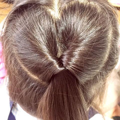 髪の毛でハートがつくれる!?編み込みアレンジ2