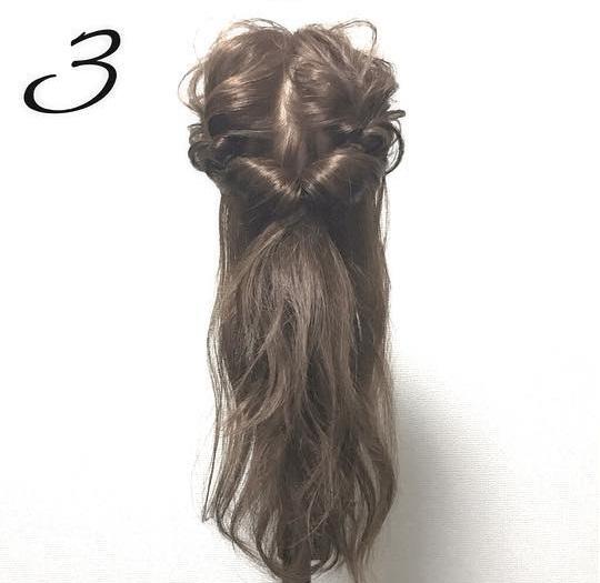 崩れにくい♪くるりんぱ×シニヨンのまとめ髪アレンジ3
