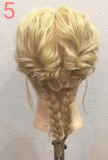 自慢したくなっちゃうくらいの可愛さ♡三つ編みで作るスッキリまとめ髪アレンジ5
