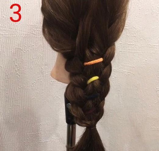 ポップなリングヘアバンドが映える☆簡単編み下ろしアレンジ3