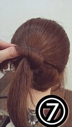 後れ毛がポイント☆あざと可愛いおだんごアレンジ7