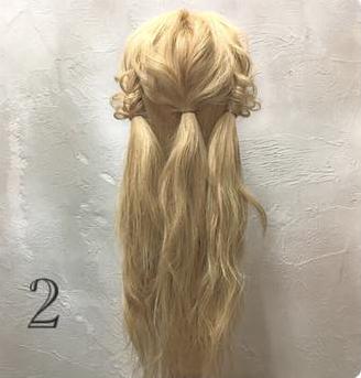 飾りがなくても華やかなまとめ髪アレンジ2