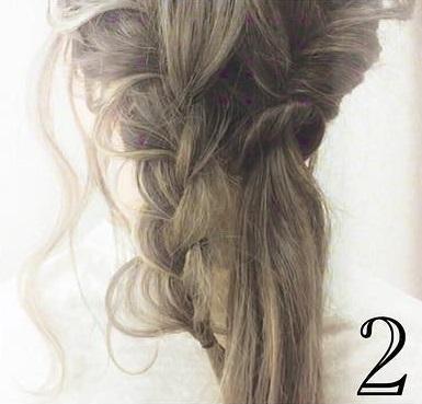 後れ毛で小顔効果◎三つ編みとくるりんぱで作るお呼ばれシニヨンアレンジ♡2 - コピー (3)