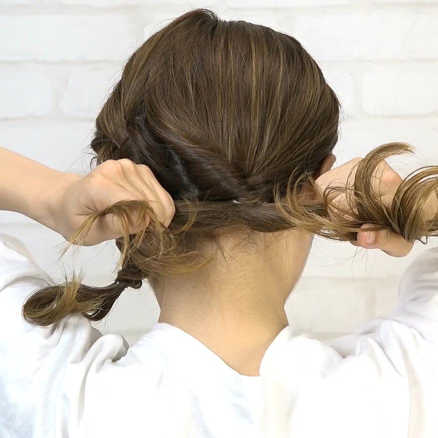 後れ毛が可愛い♡小顔に見える華やかシニヨン2
