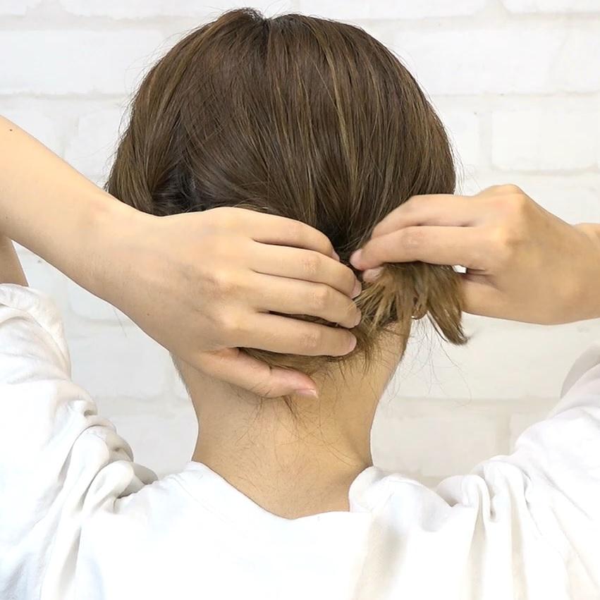 後れ毛が可愛い♡小顔に見える華やかシニヨン4