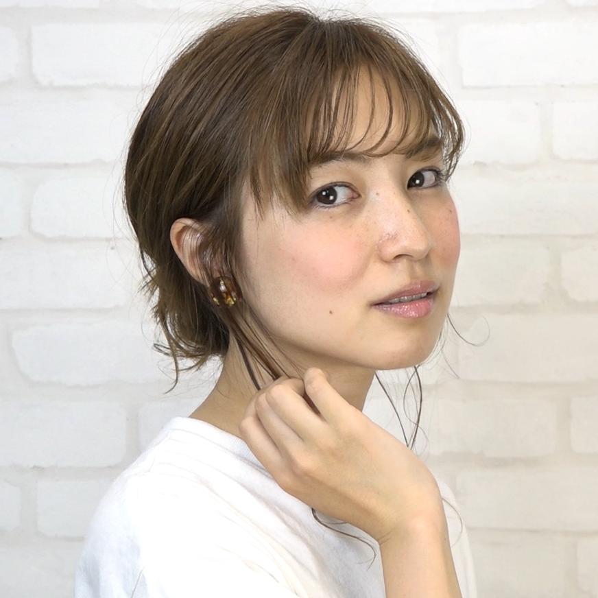 後れ毛が可愛い♡小顔に見える華やかシニヨン_完成