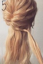 四つ編みで立体的に♪女の子らしい華やかな編み下ろしアレンジ♡5