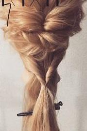 四つ編みで立体的に♪女の子らしい華やかな編み下ろしアレンジ♡7