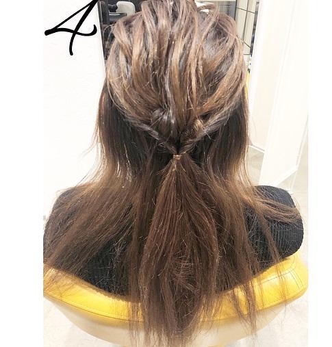 巻き髪との相性抜群◎一工夫で一味違うハーフアップアレンジ4