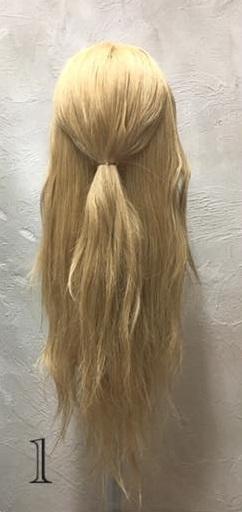 お姫様のような華やかさ♡大きな編み下ろしヘアアレンジ1