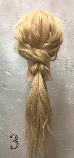 お姫様のような華やかさ♡大きな編み下ろしヘアアレンジ3