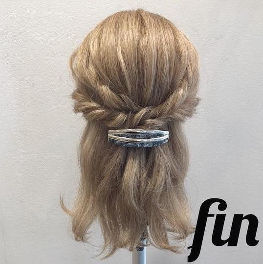 髪の毛が多い方におすすめ♪くるりんぱだけで可愛い時短ハーフアップアレンジ♡5