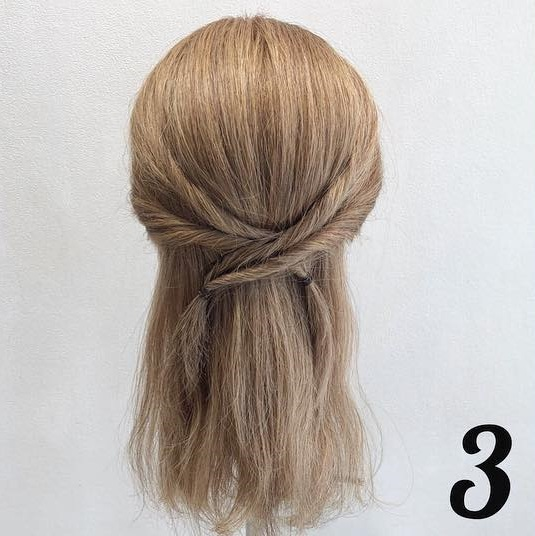 髪の毛が多い方におすすめ♪くるりんぱだけで可愛い時短ハーフアップアレンジ♡3