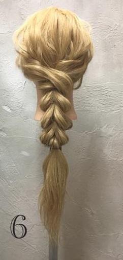 お姫様のような華やかさ♡大きな編み下ろしヘアアレンジ6