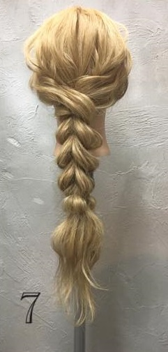 お姫様のような華やかさ♡大きな編み下ろしヘアアレンジTOP