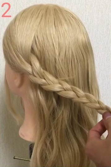オールシーズン使える♪三つ編みでつくる、Girlyハーフアップヘアアレンジ♡ 2