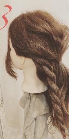 周りと差をつけられるヘアアクセサリー☆ヘアバトンにぴったりの編み下ろしアレンジ3