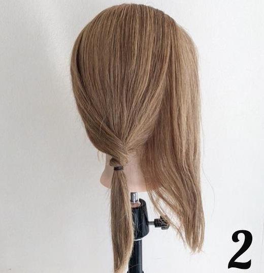 髪を巻きつけて結ぶだけでできちゃう☆ミディアムさんにおすすめのポニーテールアレンジ2