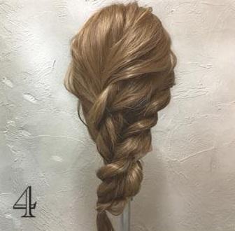 ゆるっと感がかわいい♡ガーリーな印象に仕上がる、ロープ編み込み×まとめ髪アレンジ4