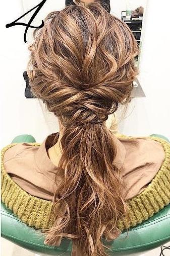 巻き髪でボリュームアップ☆カジュアルなのに華やかに決まるダウンスタイル4