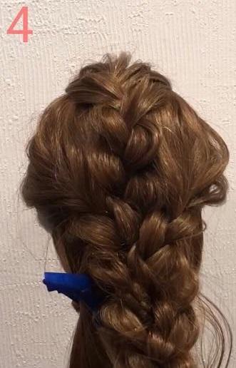 前髪が長い方におすすめ☆三つ編みだけでできる、手の込んだ編み込み風アレンジ4