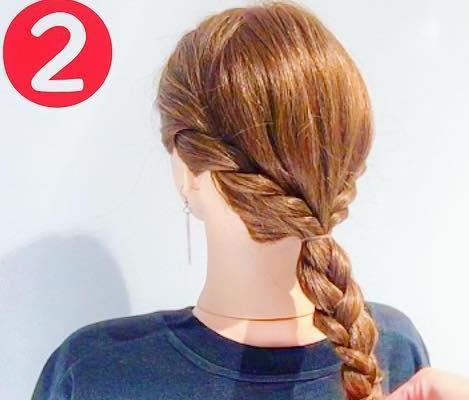 寒い冬でも可愛い後ろ姿に♡マフラーと相性抜群のまとめ髪アレンジ2