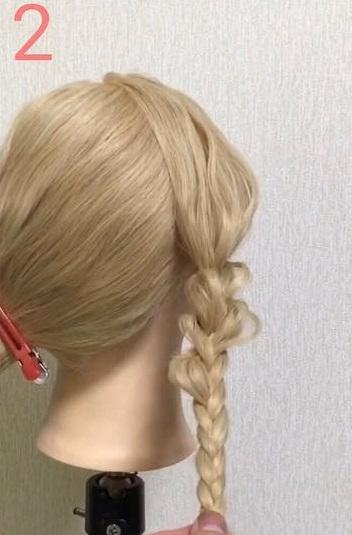 急なお呼ばれにも◎自分でできるのが魅力的なまとめ髪アレンジ2
