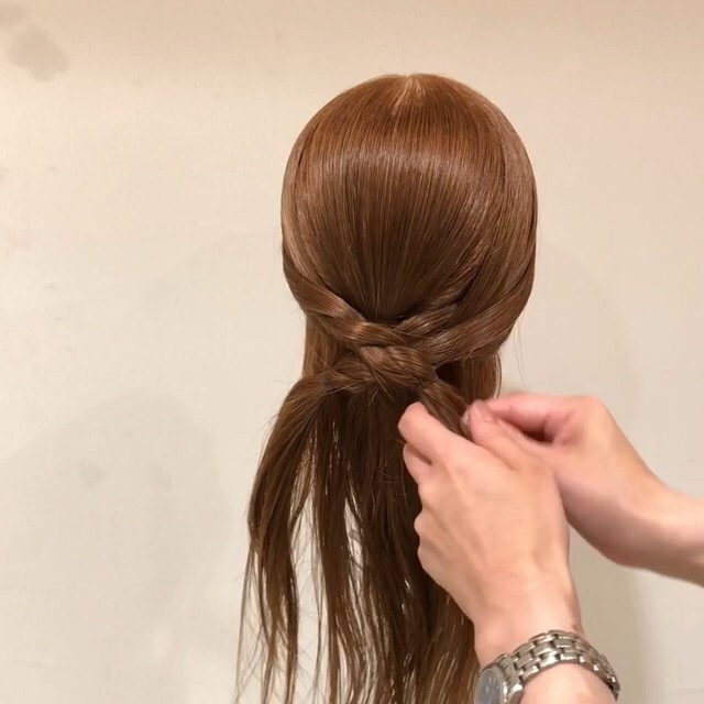 三つ編みさえできれば十分!簡単かわいい編みおろし風アレンジ☆ 4