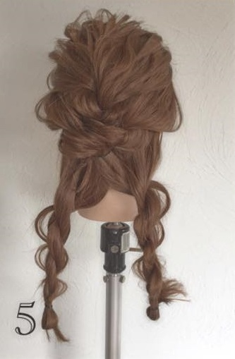 ドレスにピッタリなふわふわまとめ髪♪ロープ編みで作る華やかセルフアレンジ5