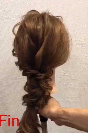 簡単なのに華やかな後ろの髪に☆お呼ばれにも使える三つ編みおろしアレンジ6