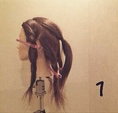 ヘアアクセがなくても華やかさ満点◎自分の髪で作るビッグリボン×編みおろしアレンジ1