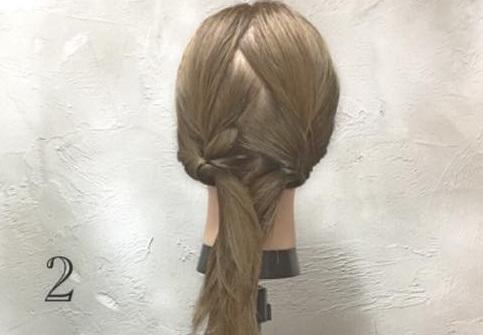 男女モテ確実の愛されヘア♡三つ編みがキュートなまとめ髪アレンジ2