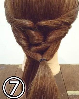 「髪の毛の量が多い…」という方におすすめ☆素敵な後ろ姿になるポニーテールアレンジ7
