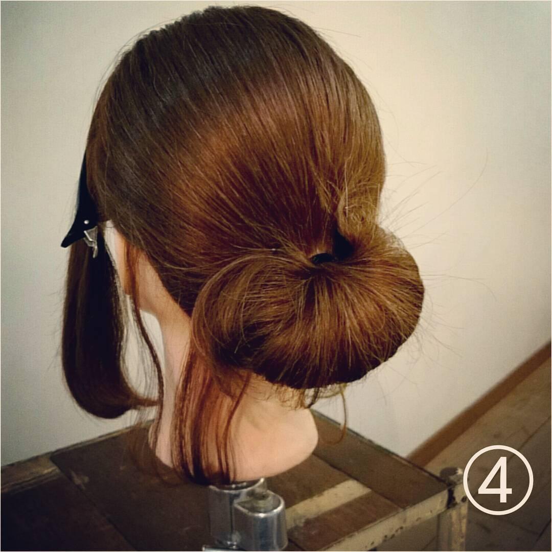 髪が長くなくてもボリューム感は出せる◎一気におしゃれ度がアップする、ルーズなお団子アレンジ4