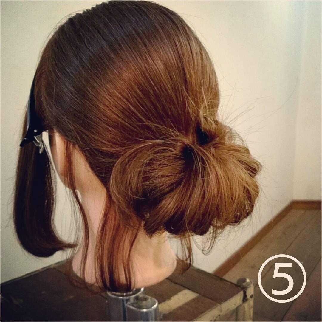 髪が長くなくてもボリューム感は出せる◎一気におしゃれ度がアップする、ルーズなお団子アレンジ5