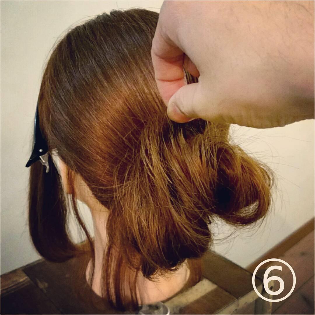髪が長くなくてもボリューム感は出せる◎一気におしゃれ度がアップする、ルーズなお団子アレンジ6