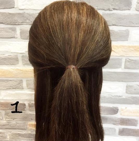 髪が広がっちゃう方にオススメ!簡単に髪がまとまる*くるりんぱアレンジ 1