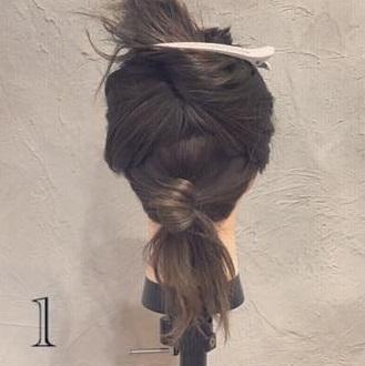 クール×華やか☆かっこよく決まるまとめ髪1